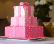pink_wedding_cake_photo